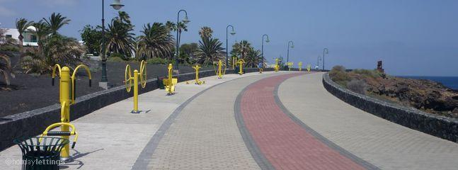 Safe and scenic promenade