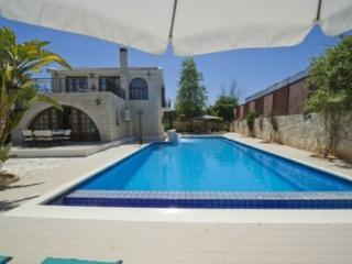 Sea view Villa with pool, beach in Argaka (Con.)