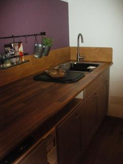 KITCHEN COUTER TOP
