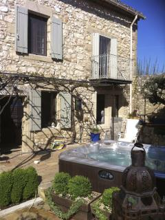 Jacuzzi in Main Courtyard