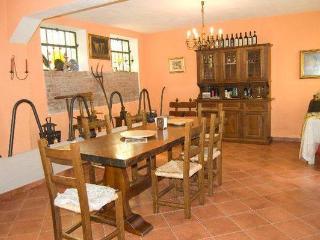 Sala degustazione vini e prodotti tipici