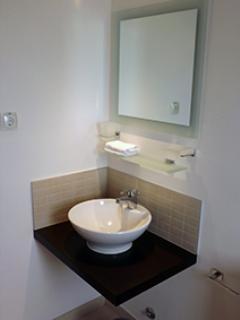 Bathroom 1 detail