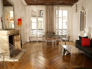 Authentic Saint Germain 2 bedroom apart., 5 sleeps, Parijs