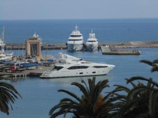tra i due porti, San Remo