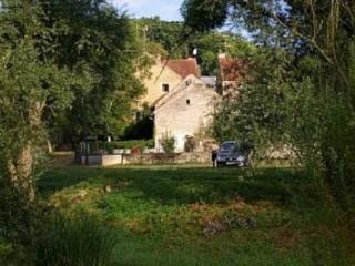 The Artists Place near Noyers sur Serein & Cha, Noyers-sur-Serein