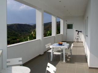 Villa apartment overlooking the Bay of Kyparissia, Pirgos