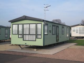 2 Bedroom Caravan (No Pets), Tiddington
