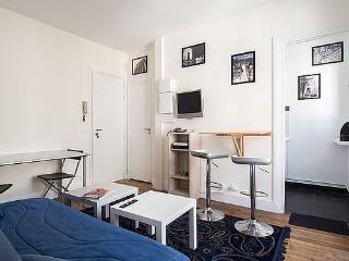 Agarrus Paris 15eme 1 bedroom+Living, for 2 people