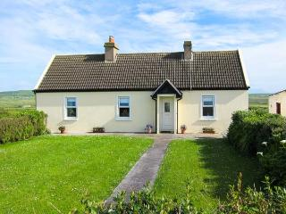 BRIDG'S HOUSE, detached cottage, gas stove, lawned garden to front and rear, in Cross, Ref 905935