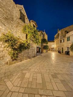 Streets of Stari Grad