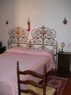n. 1 camera da letto matrimoniale