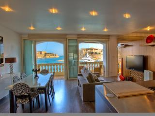 Outstanding Grand Harbour designer Apartment, Senglea