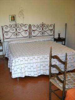 n. 3 camera matrimoniale con terzo  letto singolo