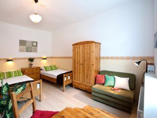 Zweibettzimmer miit zusätzlicher Schlafcouch (Futon)