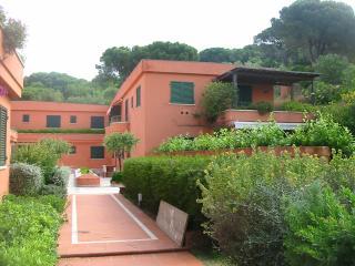 Appartamento Zuccale sul mare con giardino e piscina