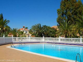 3 BEDROOM VILLA  2 MIN NEAR THE SEA, Estrella del Mar
