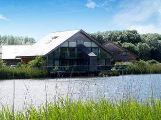 Heron & Kingfisher Lodge | South Cerney| Cotswolds