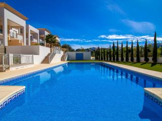 Albufeira Holiday Rental - SEPT 16TH TO 25TH AVAILABLE £850 FOR ANY 7 DAYS