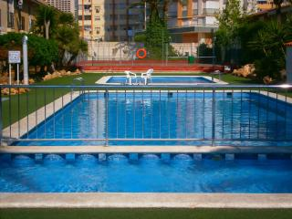 NICE APARTMENT IN BENIDORM LEVANTE BEACH, Benidorm