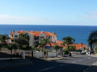 OCEAN CLIFFS Apartement F3 +grande terrasse, Funchal