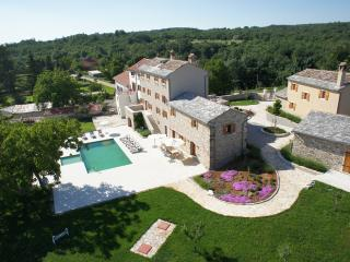 Luxury Villa Poropati with pool, Groznjan-Istra