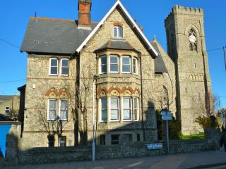 Old Vicarage, historic 7 bedroom building, Margate