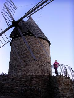 An easy hike to the historic Windmill
