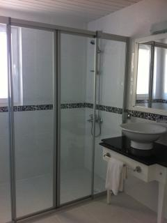 En-suite to 2nd bedroom with large double shower