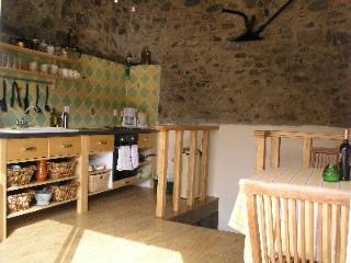 Old stone cottage with roof terrace and views., Pyrénées-Orientales