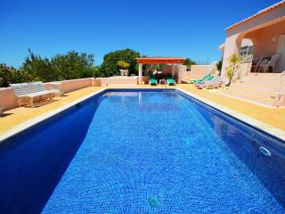 Villa Monte Verde - Private outdoor pool. Children play, Panoramic View, Gated
