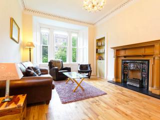 Stunning Central High Quality 2 Bedroom Apartment, Edimburgo
