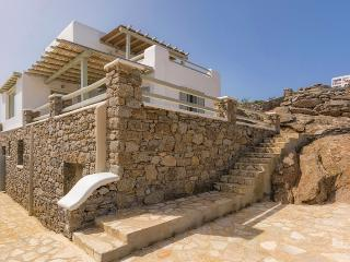 Sophia- New private viilla with sea view and pool, Ornos