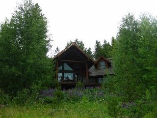 Serenity Lodge with Incredible Views, Privacy and a Recreational Dream!