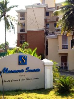 Exterior View of the Apartment Complex-MESMERIC SUNSETS