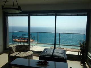 Beautiful 5 rooms on the sea, Bat Yam