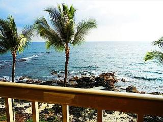 KRD32 Absolute Oceanfront Top Flr Private, Kailua-Kona
