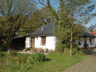Great Burrow Cottage. Dartmoor views, nr beaches.