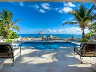 Les Palmiers - Luxury Beachfront - 1 Bedroom, Sint Maarten