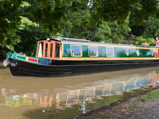 Kate Boats: Jim: 58 foot / 6 berth / 5*, Warwick