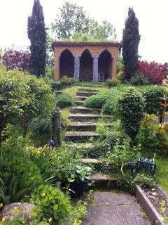 Garden folly for drinks or tea