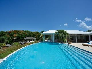 'PLEASE ENQUIRE ABOUT OUR SPECIALS' Encore - Stunning Villa Rental - 5 Bedrooms