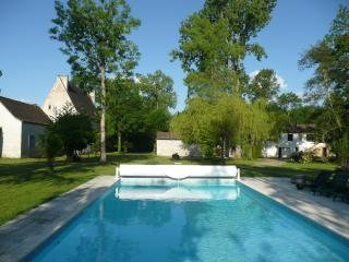 Grande Auque(13th Century Manoir Mill With Private Garden and 12mtr Heated Pool)