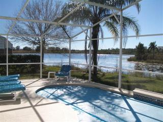 Villa & Pool -overlooking Lake, Kissimmee