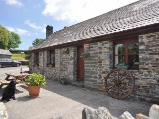 02004 Cottage situated in Bude (9mls S)