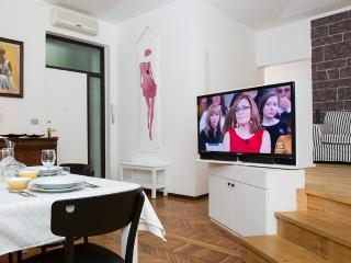 Lovely 2bdr in Milan city centre
