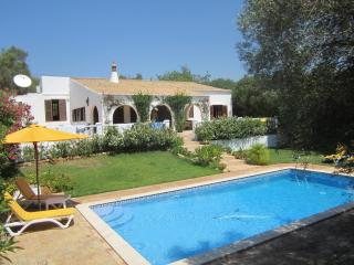 Villa in Almancil