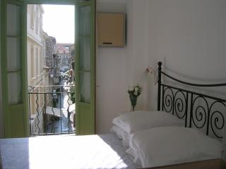 Charming Apartment in Old Town, Antibes