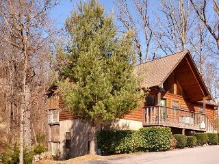 Pigeon Forge resort cabin near Dollywood Sweet Mtn Laurel 403, Sevierville
