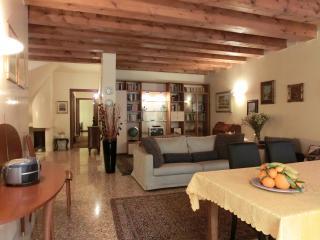 Padova centre Luxury Apartment, Padua