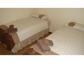 3 rd bedroom - single beds